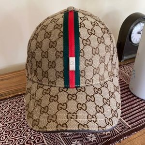 Designer look baseball cap NWT